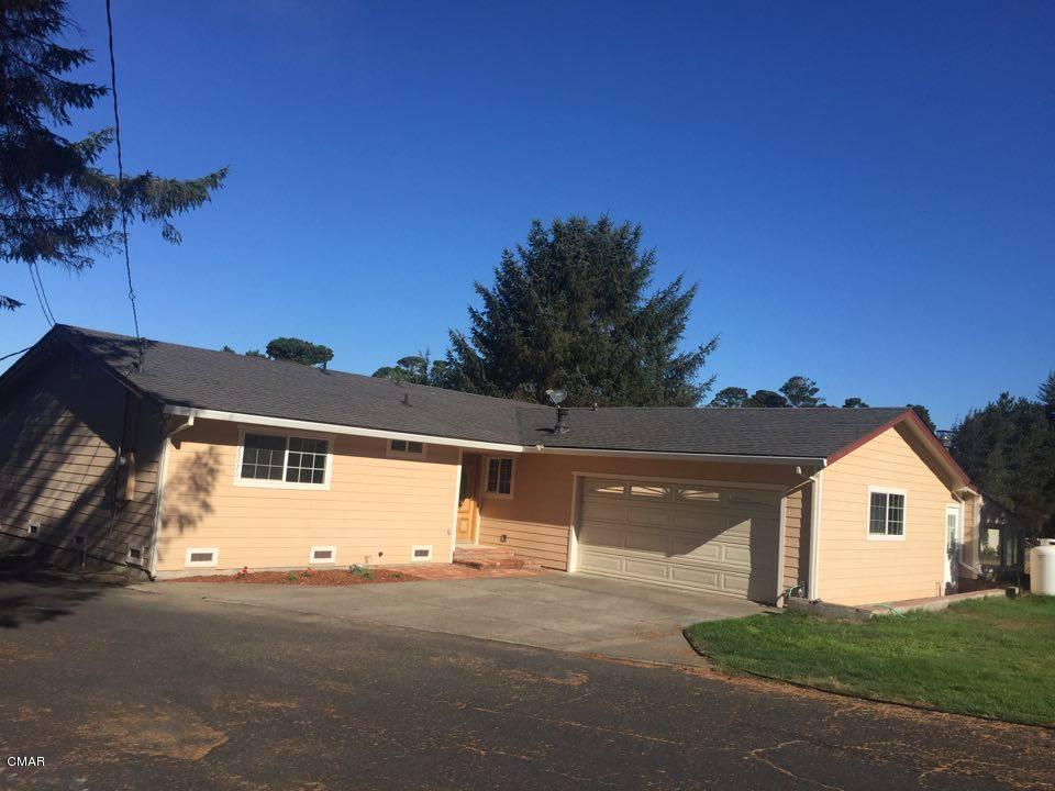 25070 Ward Ave, Fort Bragg, CA 95437