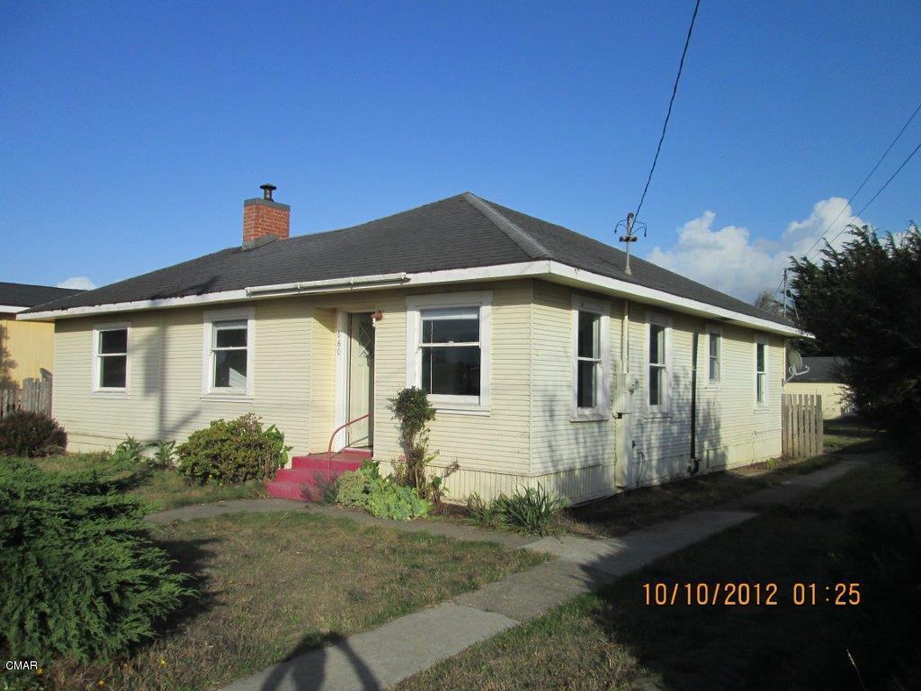 860 Woodward St, Fort Bragg, CA 95437