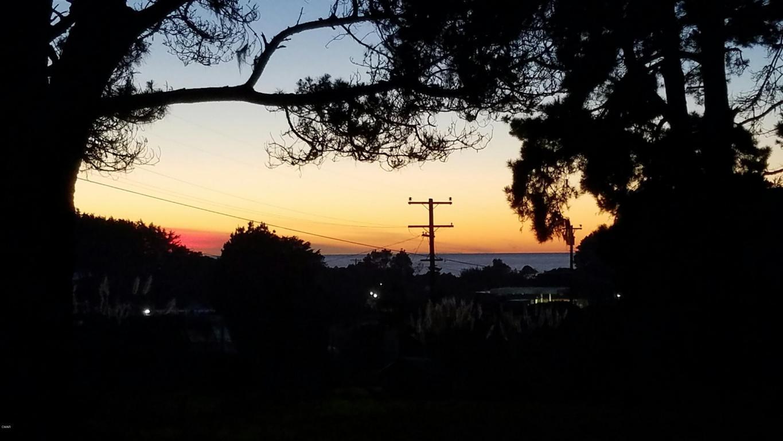 Photo of 32850 Collins Lane  Fort Bragg  CA