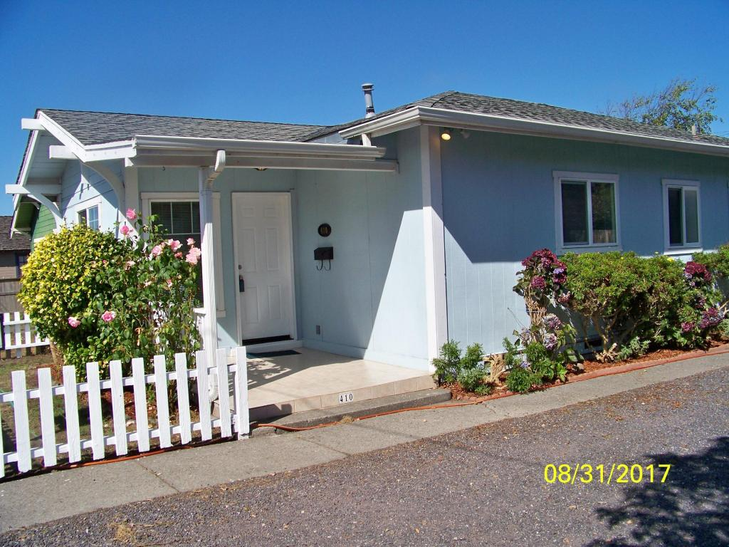 Photo of 410 N Corry  Fort Bragg  CA