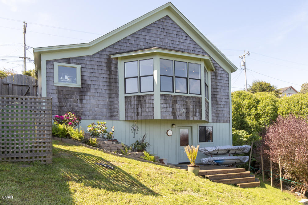 33831 East Albion, CA 95410