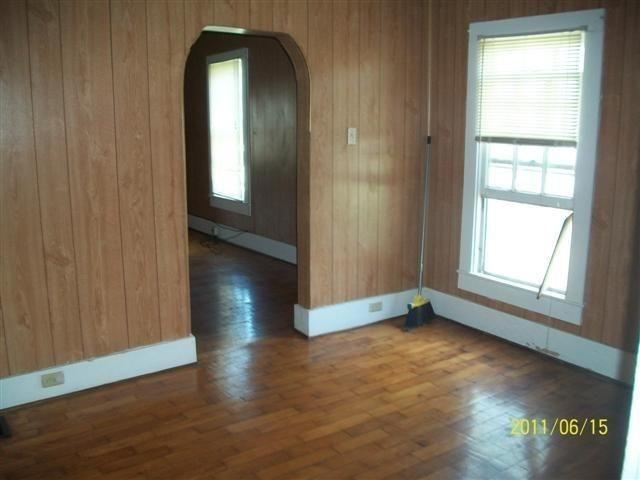 Photo of 327 N MAIN ST  Slater  MO