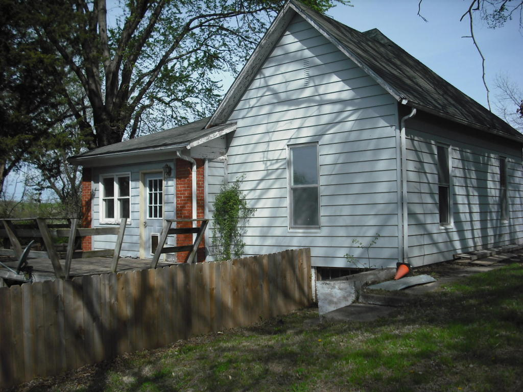 Photo of 811 CLIFTON HEIGHTS CIR  New Franklin  MO