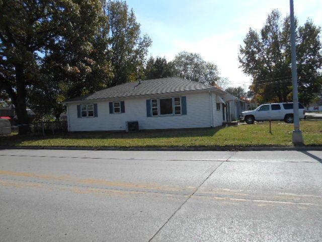 108 Tucker Ave, Marshall, MO 65340