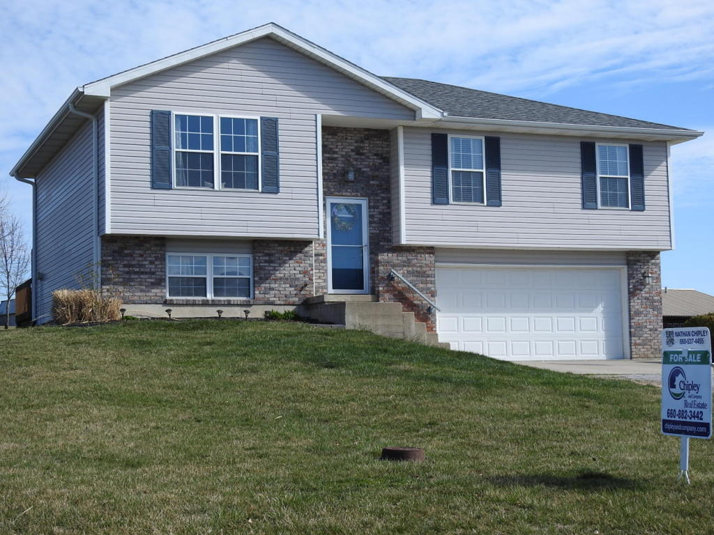 133 County Road 334A, New Franklin, MO 65274