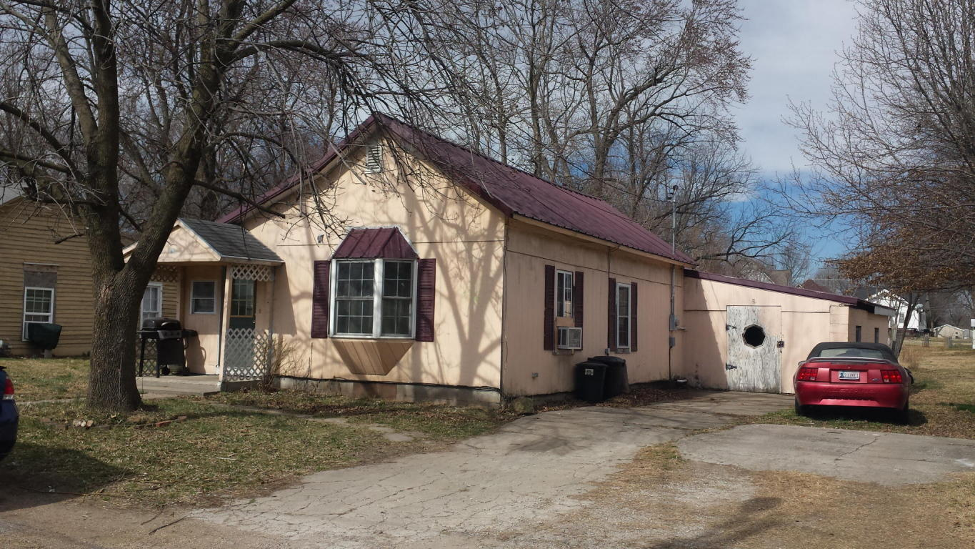 Photo of 316 E SUMMIT ST  Marshall  MO