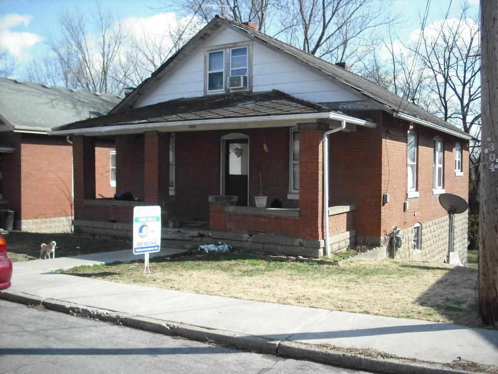 302 McRoberts St, Boonville, MO 65233