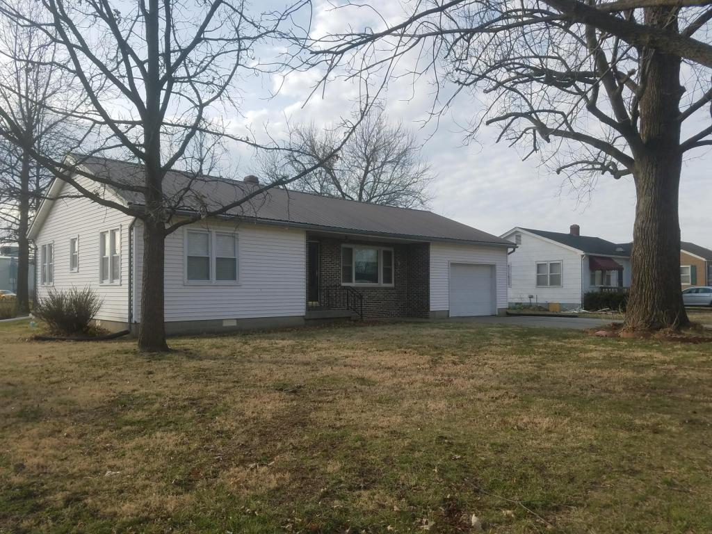 Photo of 811 Park Place  Slater  MO