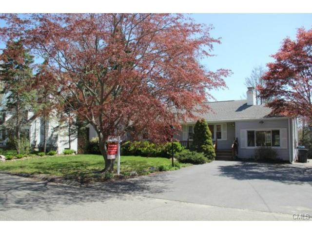 86 Crown St, Trumbull, CT 06611