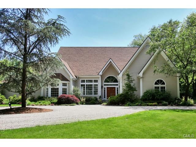 18 Old Hyde Rd, Weston, CT 06883