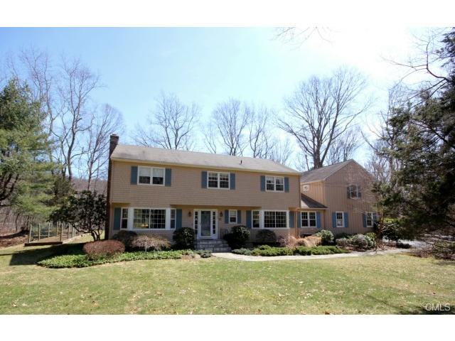 10 Lakeside Dr, Weston, CT 06883