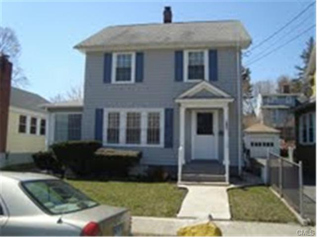 291 Pacific St, Bridgeport, CT 06604