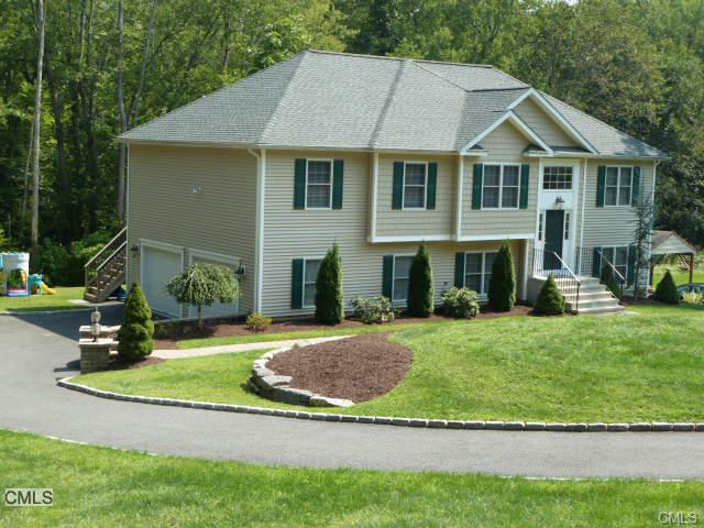 17 Aspen Way, Brookfield, CT 06804