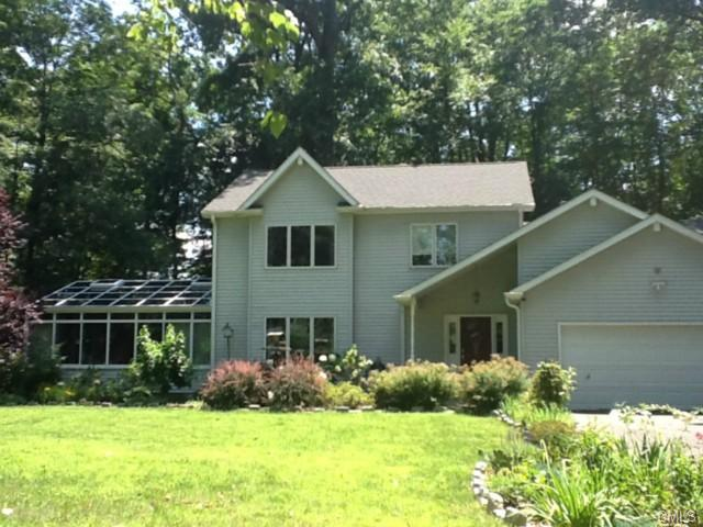 4 Jireh Ln, Brookfield, CT 06804