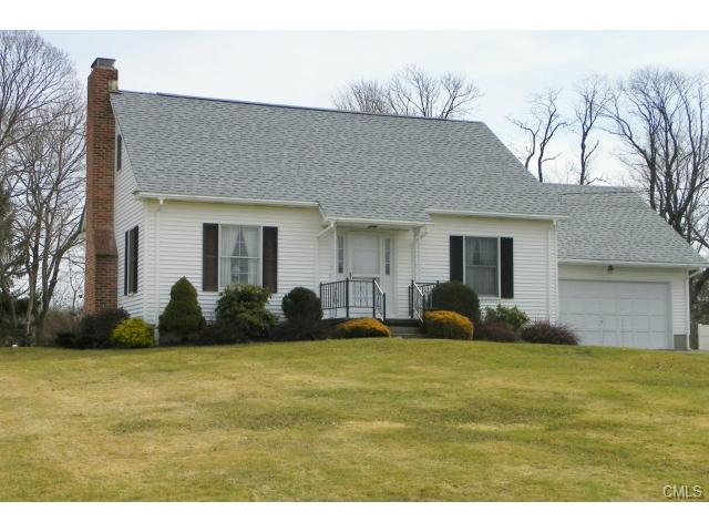 31 Middleton Dr, New Fairfield, CT 06812