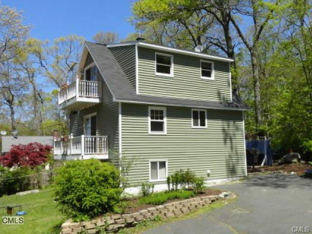 48 Hudson Dr, New Fairfield, CT 06812