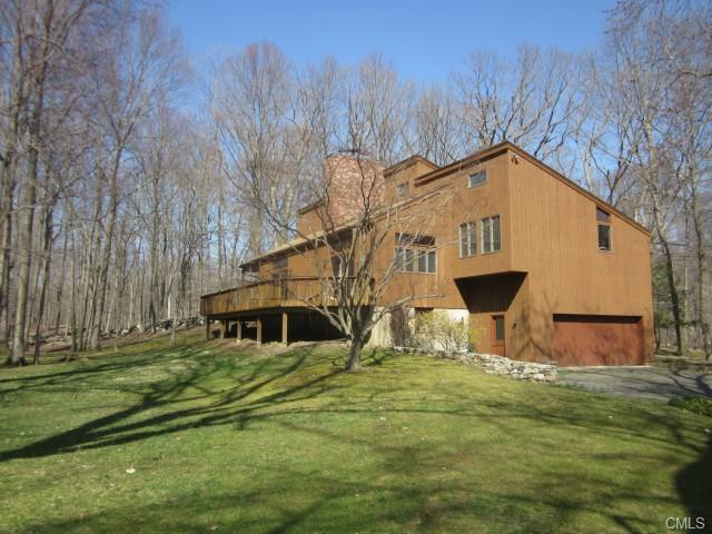 32 Ladder Hill Rd S, Weston, CT 06883