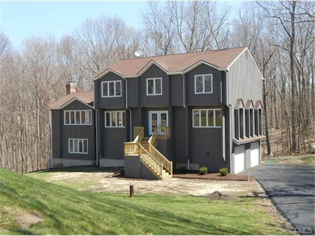 12 Woodacre Ln, Monroe, CT 06468