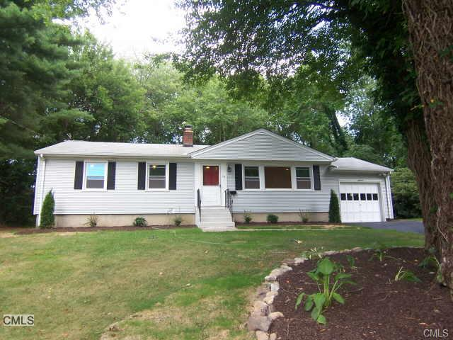 18 Peters Rd, Trumbull, CT 06611
