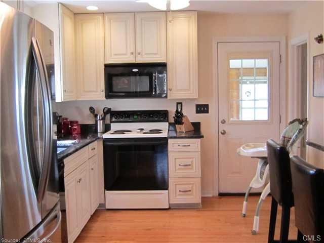 Rental Homes for Rent, ListingId:23933322, location: 646 Woodward AVENUE New Haven 06512