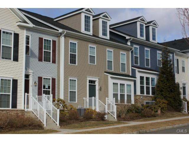 Rental Homes for Rent, ListingId:26944070, location: 8 Brinscall COURT Danbury 06810