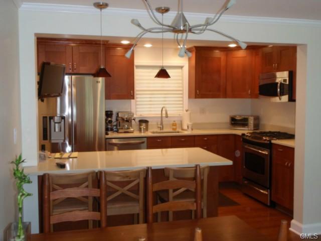 Rental Homes for Rent, ListingId:27929120, location: 52 Sunrise AVENUE New Canaan 06840