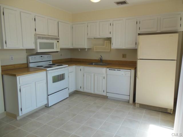Rental Homes for Rent, ListingId:29637853, location: 274 Belltown ROAD Stamford 06905