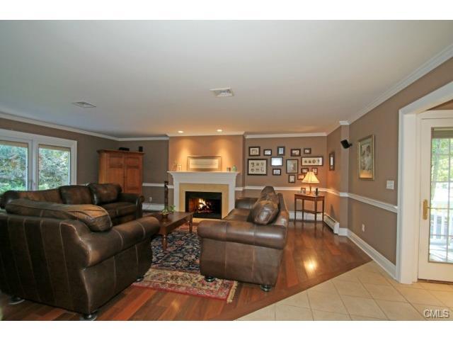 Real Estate for Sale, ListingId: 30497438, Trumbull,CT06611