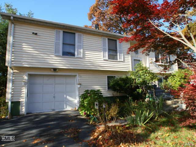 Rental Homes for Rent, ListingId:30909649, location: 1525 Chopsey Hill ROAD Bridgeport 06606