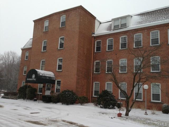 Rental Homes for Rent, ListingId:31650785, location: 55 Oil Mill ROAD Danbury 06810