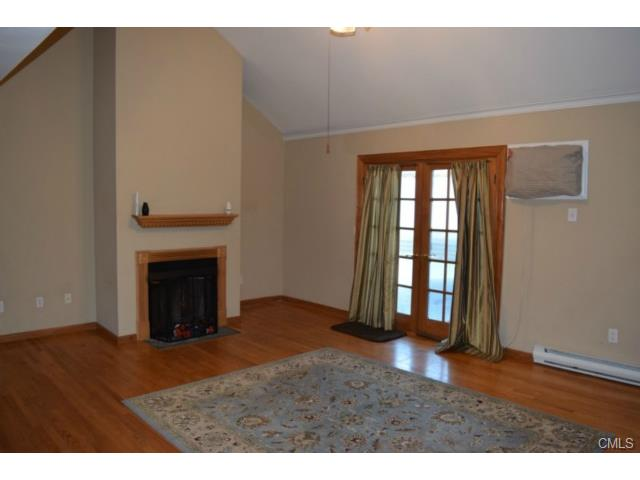 Rental Homes for Rent, ListingId:31681658, location: 136 Pembroke ROAD Danbury 06811