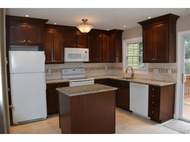 Rental Homes for Rent, ListingId:32778921, location: 12 Camelot DRIVE Norwalk 06850