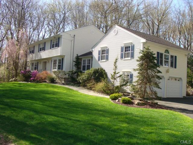 Real Estate for Sale, ListingId: 32762320, Trumbull,CT06611