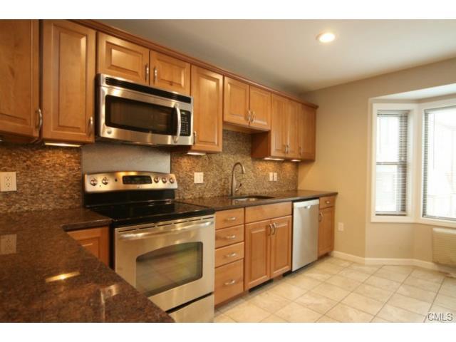 Rental Homes for Rent, ListingId:33021942, location: 8 Oakwood AVENUE Norwalk 06850
