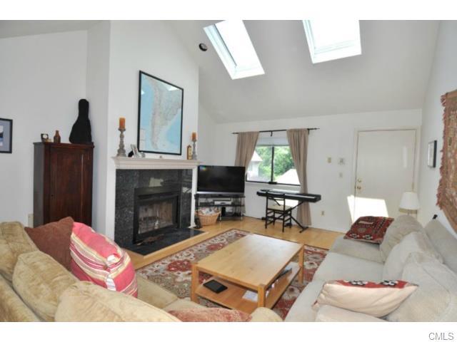 Rental Homes for Rent, ListingId:33302282, location: 2437 Bedford STREET Stamford 06905