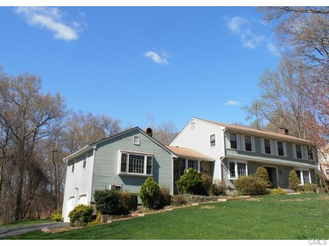 Rental Homes for Rent, ListingId:34033610, location: 54 Old Hollow ROAD Trumbull 06611