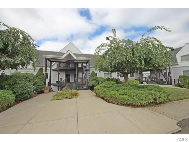 Real Estate for Sale, ListingId: 35375715, Milford,CT06461