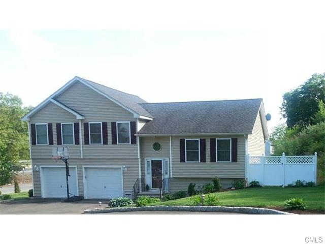 7 Bissell Pl, Seymour, CT 06483