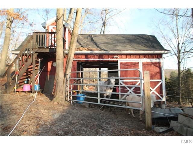 Photo of 7 Chestnut Tree Hill Road EAST  Oxford  CT