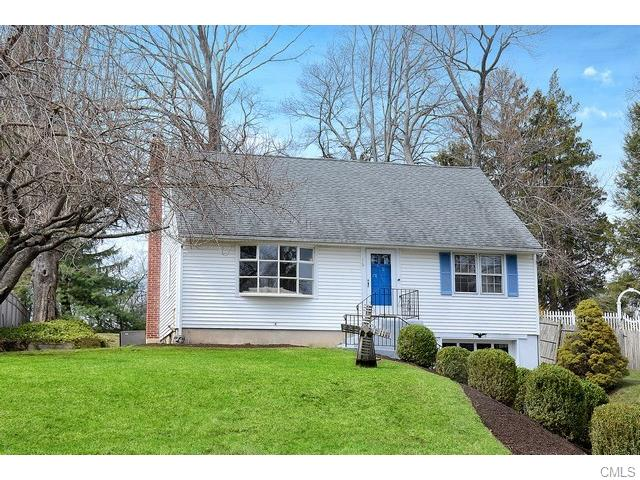 Photo of 16 Lafayette AVENUE  Ridgefield  CT