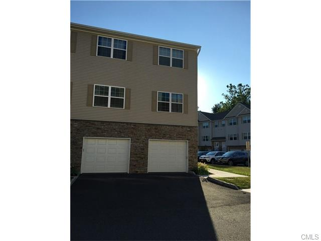 Photo of 33 Riverview COURT  Brookfield  CT