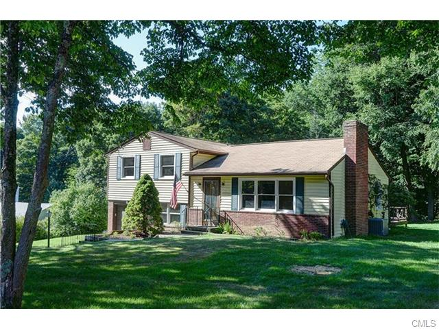 Photo of 10 Silvermine ROAD  Brookfield  CT
