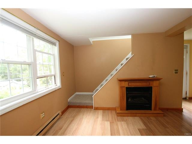 Photo of 74 Lakeview Terrace  Newtown  CT