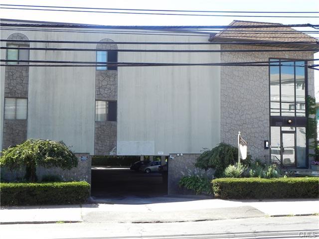 Photo of 697 Cove ROAD  Stamford  CT