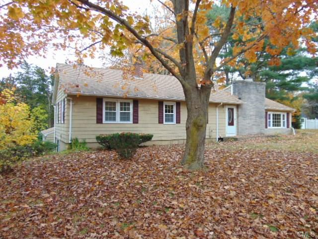 30 Pardee Pl, Madison, CT 06443