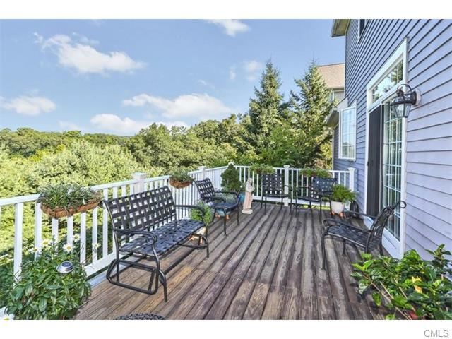 3 Woods Way, Redding, CT 06896