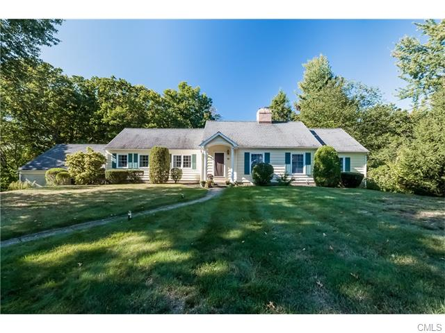 15 Overlook Pl, Shelton, CT 06484
