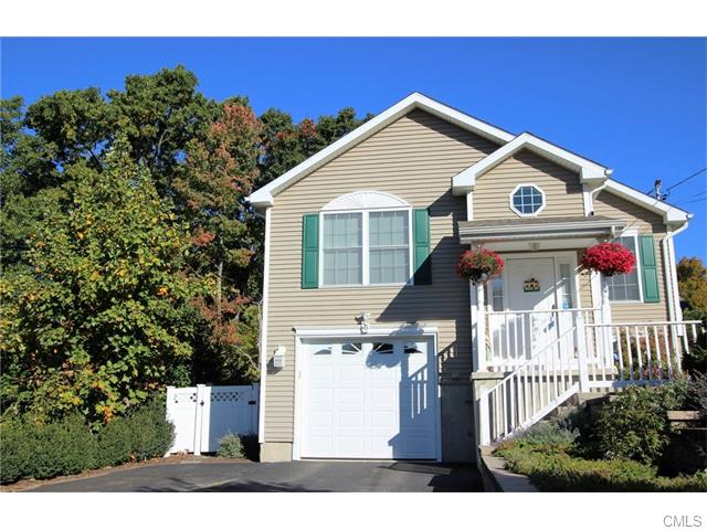 25 Chapin Ave, Waterbury, CT 06708