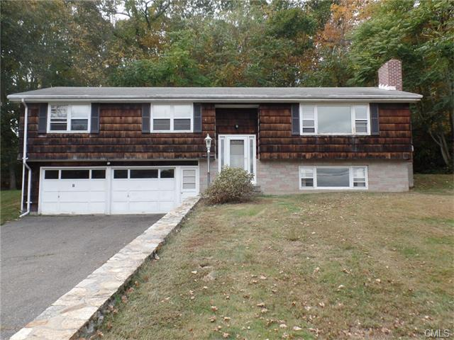 26 Walnut Tree Hill Rd, Shelton, CT 06484