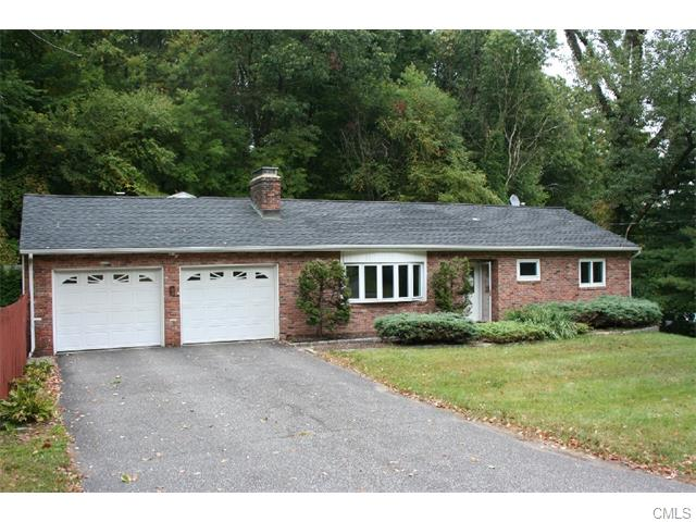 3 Oak Ridge Rd, Bethel, CT 06801